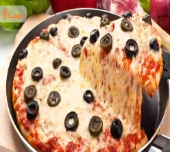 تهیه پیتزا بدون فر مرحله به مرحله