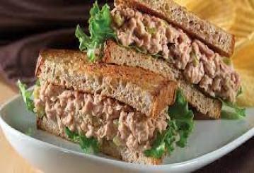 تهیه ساندویچ تن ماهی ساده خوشمزه