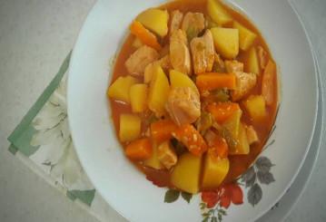 طرز تهیه خوراک مرغ و سیب زمینی